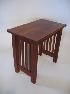 End Table - Cherry with pickets