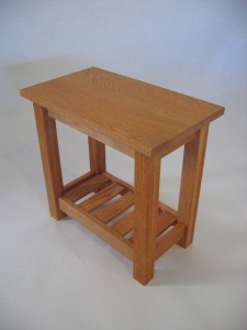 End Table Oak with Magazine Rack